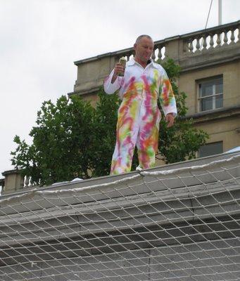 Chris Billington, Cornwall's modern artist ~ The Spray Paint ~ Trafalgar Square, London